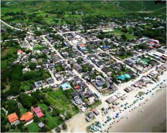 Olón - Vista del pueblo